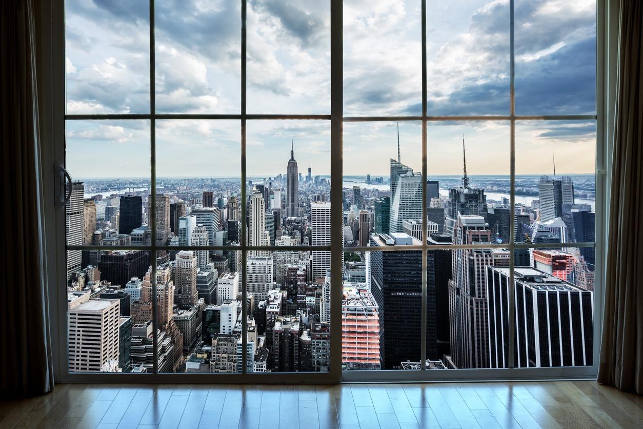 從公寓窗戶眺望曼哈頓房地產